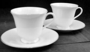 Lenox-China-HAYWORTH-2-Cup-amp-Saucer-Sets-Cream-with-Gold-Trim-GREAT-CONDITION