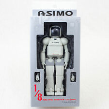 HONDA Humanoid Robot Asimo 1/8 Scale Action Figure with Close Hands JAPAN