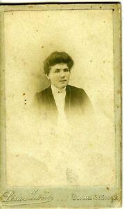 DINARD-Leon-Marie-portrait-femme-identifiee-CDV-photo-circa-1900