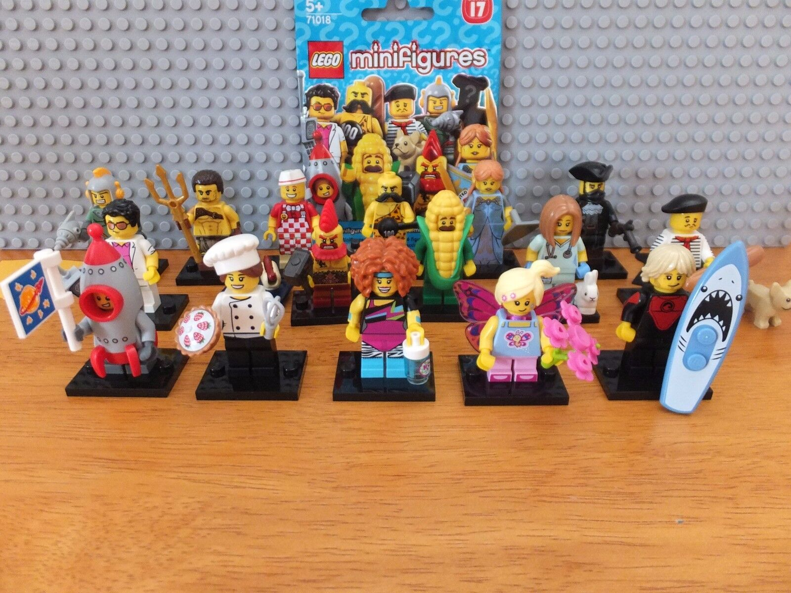 Lego Series Series Series 17 Complete Set Of 16 Minifigures 098d7e