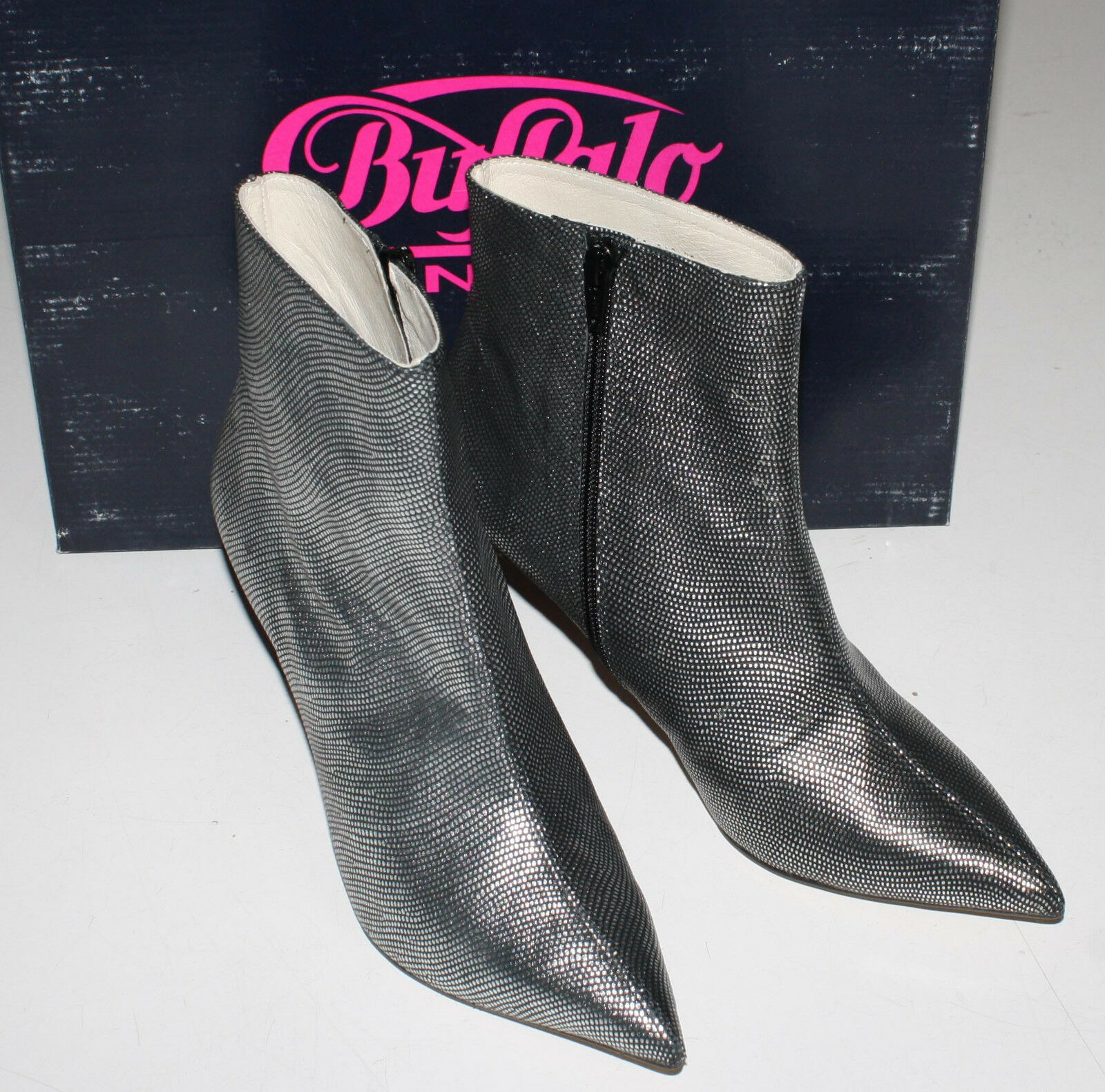 BUFFALO London Stiefeletten * 11864-302 Hubble Kenia * Gr. 38 silber
