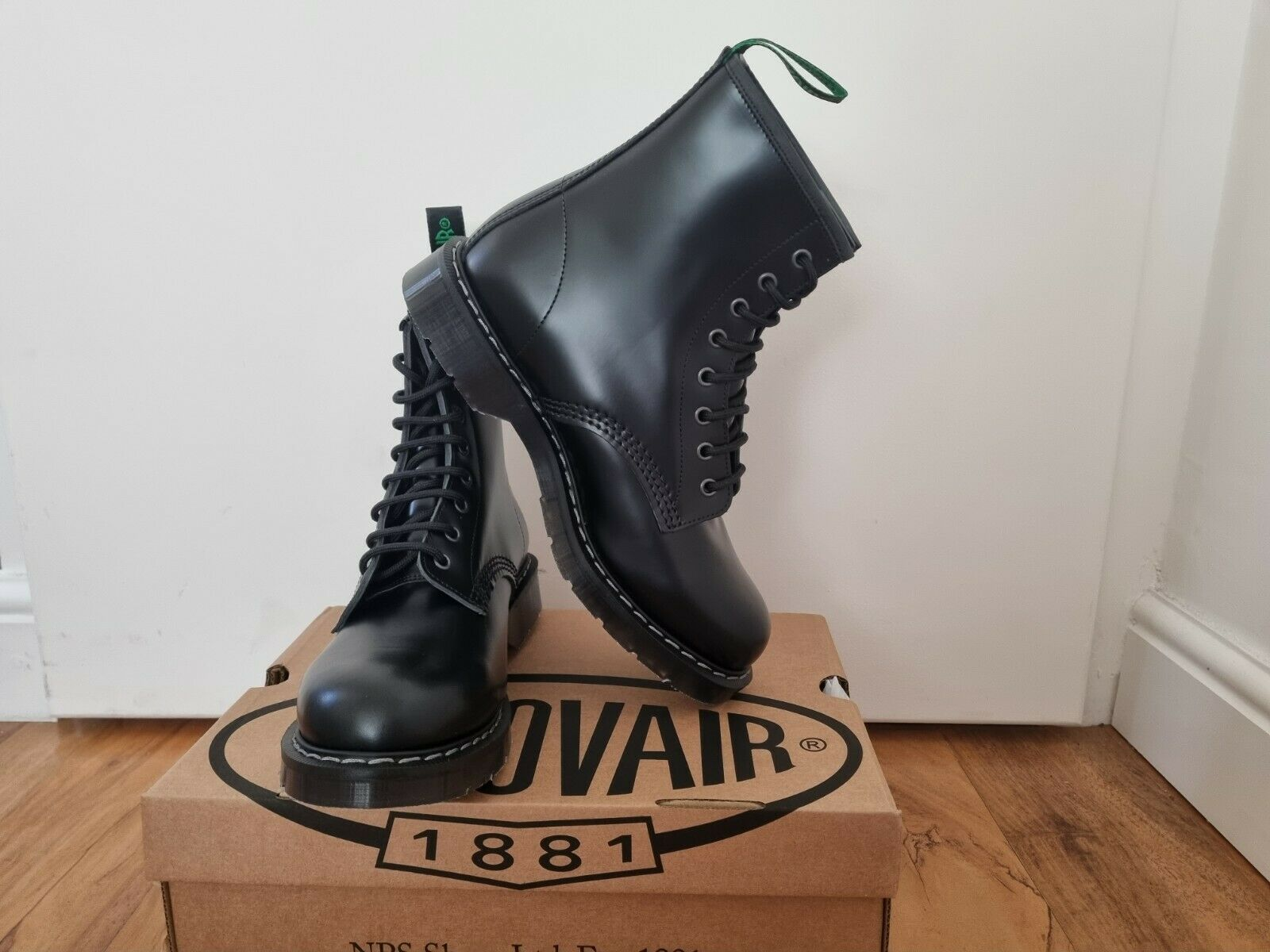 NPS SOLOVAIR Black Shiny Leather 8 Eye Derby Boot Size 8 1/2