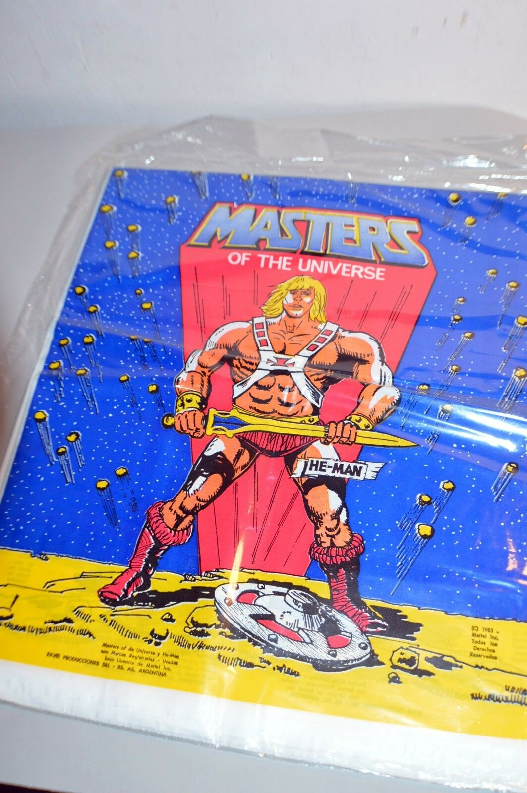 RARE silverINA 1983 VINTAGE MOTU MASTERS OF UNIVERSE PLASTIC PARTY TABLE COVER