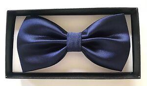 Coffret-Noeud-papillon-et-Pochette-assortie-Bleu-marine-uni-costume-classe