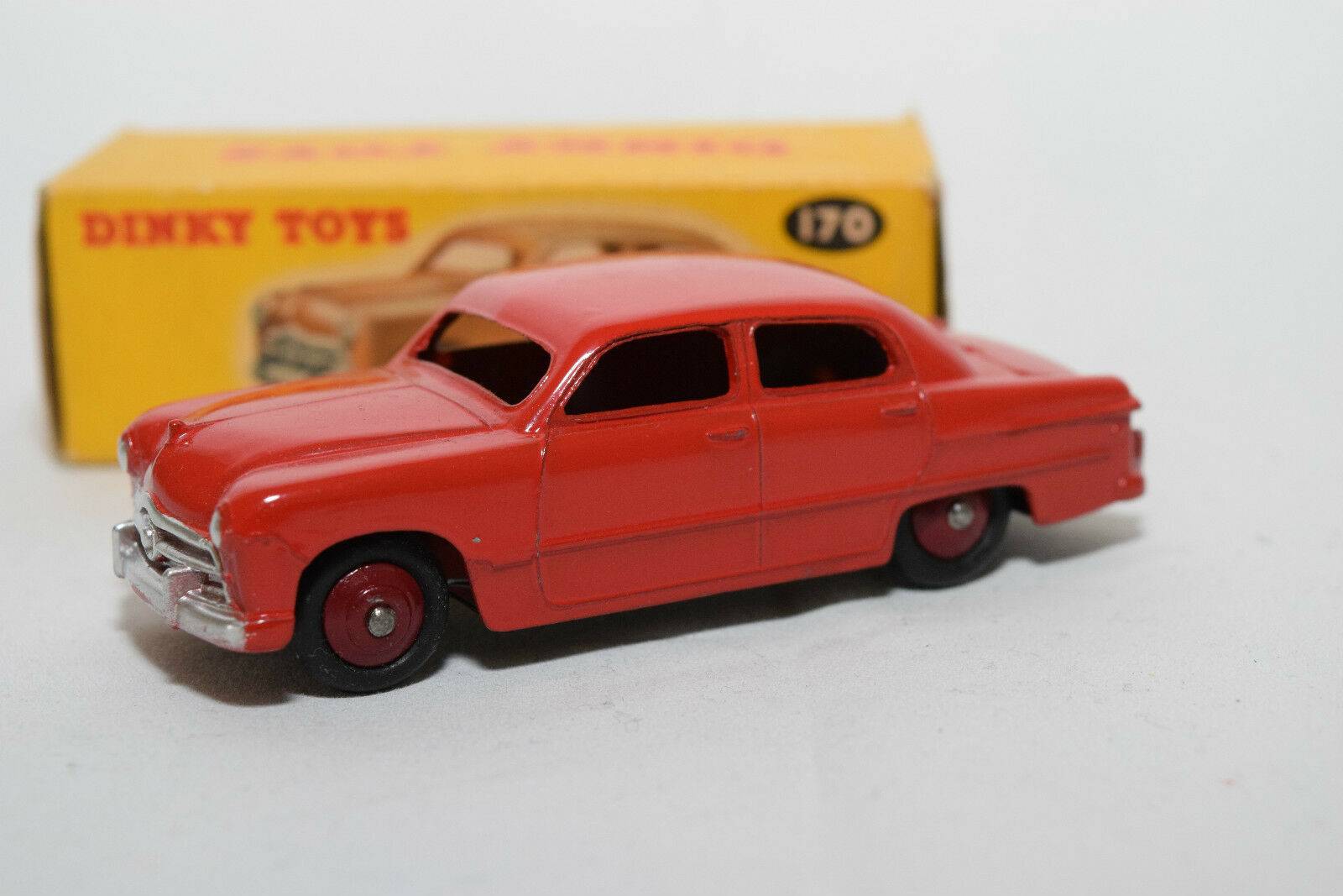 P Dinky Toys 170 FORD FORDOR SEDAN RED EXPORT VERSION MINT BOXED RARE RARE.