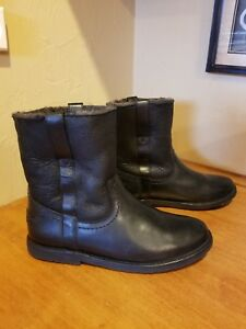 466cbbcbc41 Image is loading Frye-Shearling-Boots-Size-8