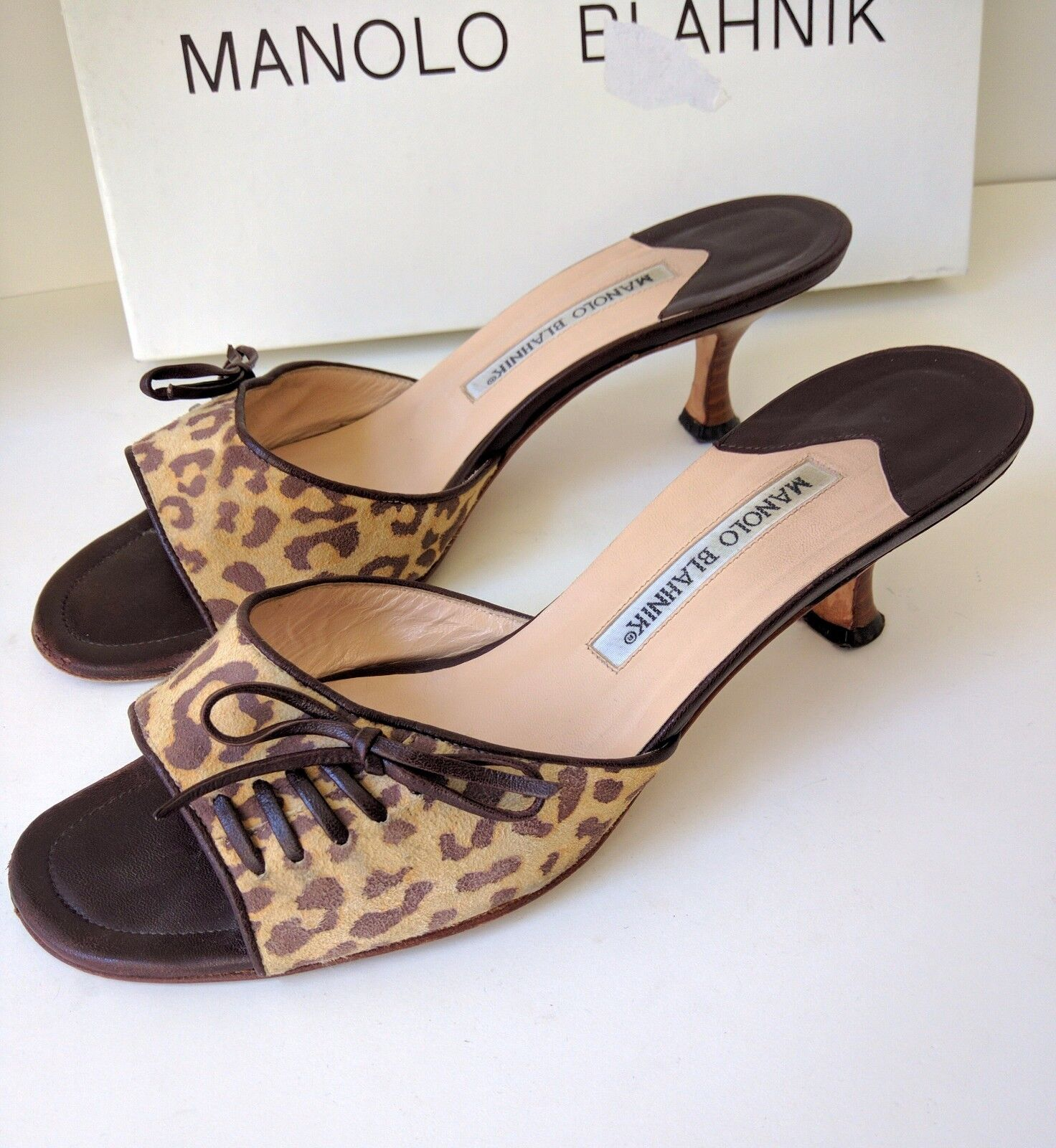 MANOLO BLAHNIK  Brown ANIMAL PRINT  SLIDE SANDALS ON THE HILLl Sz 38.5