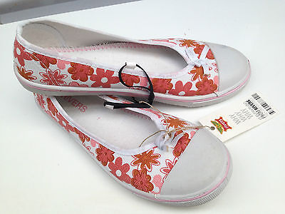 BNWT Older Girls Sz 1 to 2 Rivers Doghouse Orange Pink Cute Beach Shoes RRP $30
