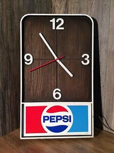 Vintage-PEPSI-COLA-Wall-Clock-20-X-12-Inches-Working-Condition-D1
