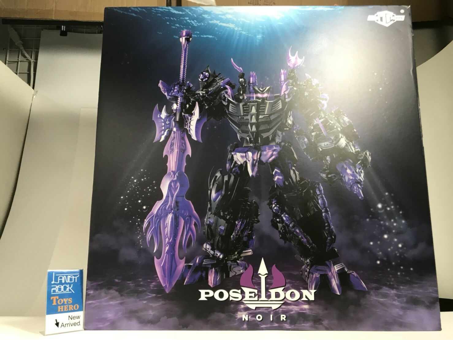 Toys Hero In hand Transformers TFC Toys Poseidon nero Limited Edition