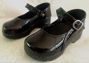 DANSKO Youth Girls Black Stapled Patent