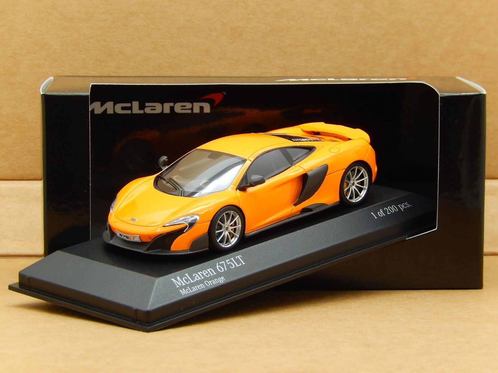1 43 McLaren 675LT 2015 McLaren orange Minichamps Resin Model 537154321 New Rare