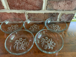 Lot-5-Vintage-Embossed-Cherry-Berry-Pattern-Pressed-Glass-Fruit-Dessert-Bowls