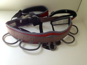 BLACK-DIAMOND-Rock-Climbing-Harness-MOMENTUM-AL-RED-Men-039-s-Size-Small