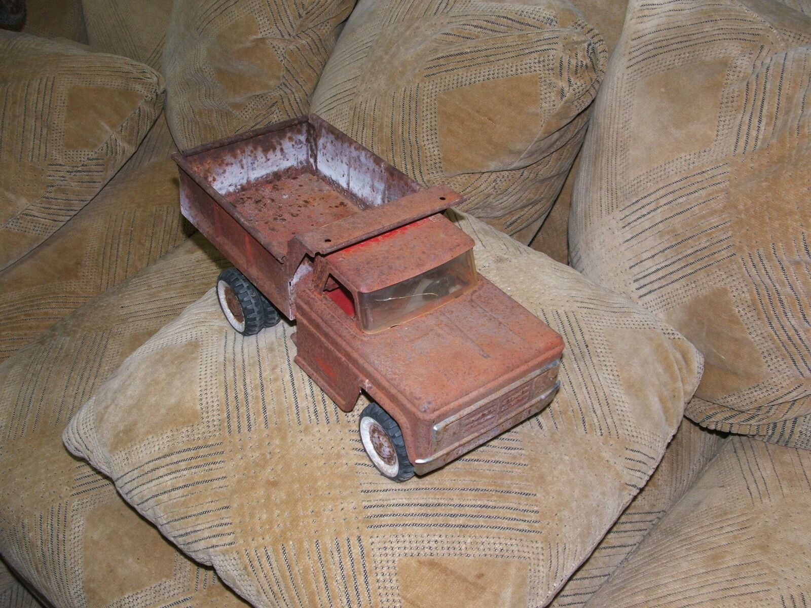 Vintage Collectible STRUCTO  Ford Dump Truck