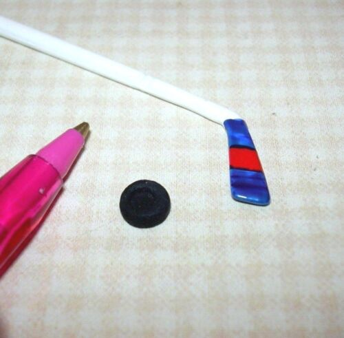 Miniature Cast Metal Hockey Stick with Puck DOLLHOUSE 1:12 Scale Miniatures