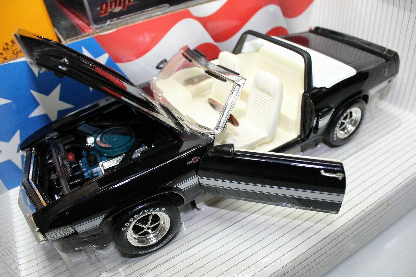 Ertl 1 18 Scale American Muscle 1969 Shelby GT-500 converdeible (nero biancao Int)