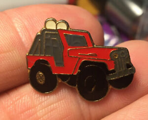 Red Jeep enamel pin NOS vintage SUV auto car hat lapel bag new off road vehicle