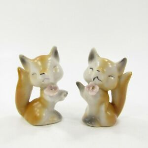 Vintage-Salt-Pepper-Shakers-Set-Red-fox-with-pink-flowers-Japan-346