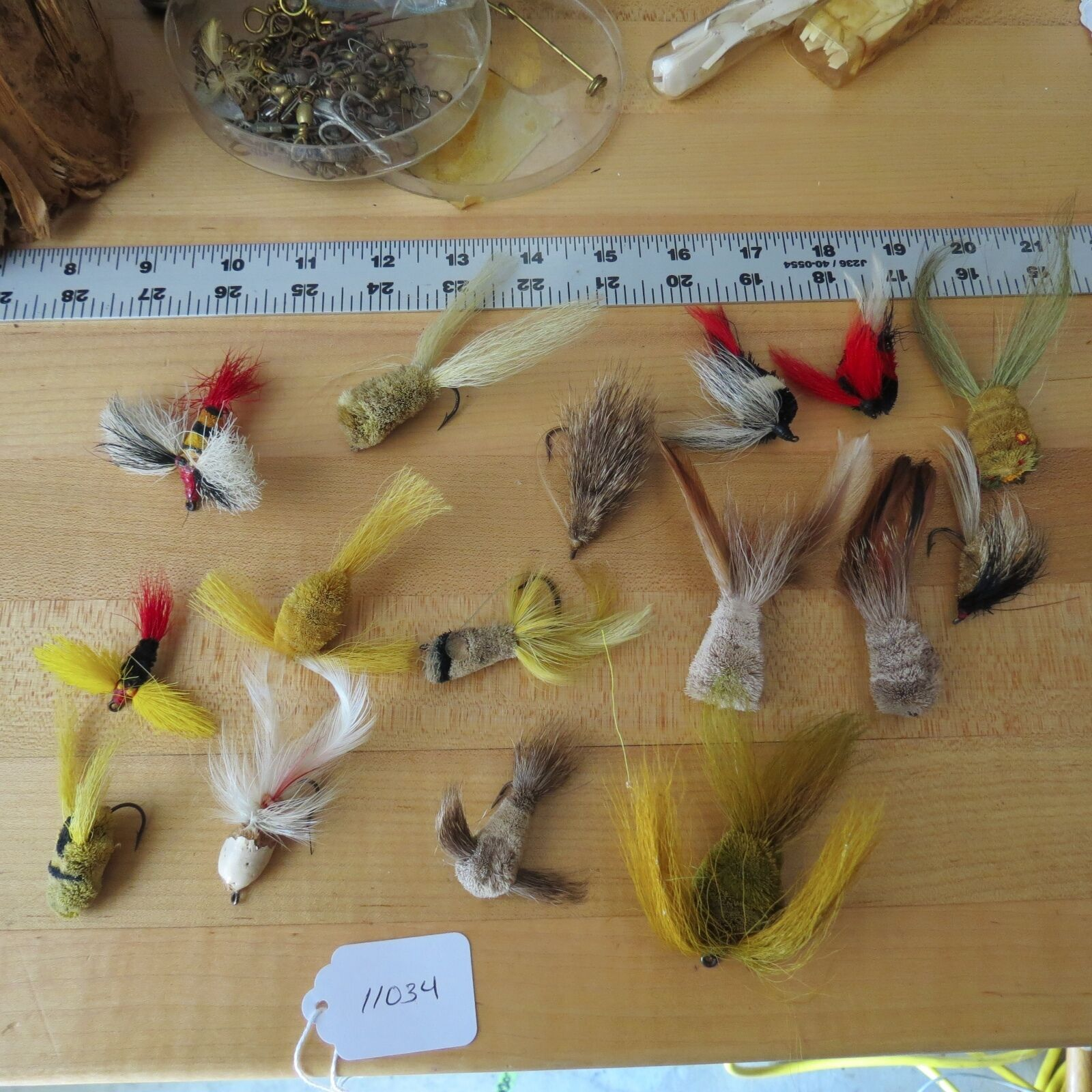 Vintage Unknown Wooden fishing lure (lot)