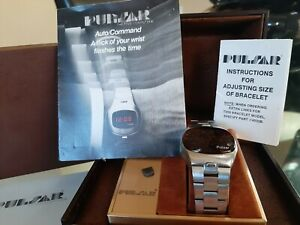 VINTAGE-STAINLESS-STEEL-PULSAR-WRIST-COMMAND-WATCH-w-BOX-PAPERS-MAGNET-RUNS