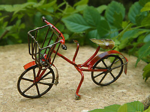 Miniature-Dollhouse-FAIRY-GARDEN-Small-Rustic-Red-Metal-Bicycle-NEW