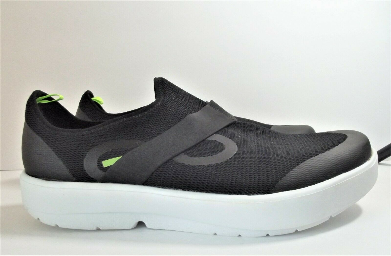 Recovery OOFOS Men's OOMG Low shoe black and white size 14 on eBay thumbnail