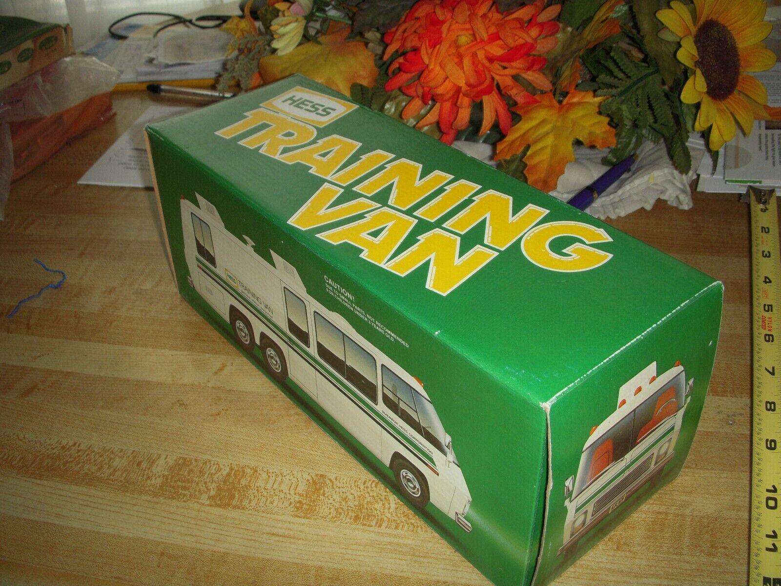 Jahr Mint Hess Training Van Spielzeug Truck in OB