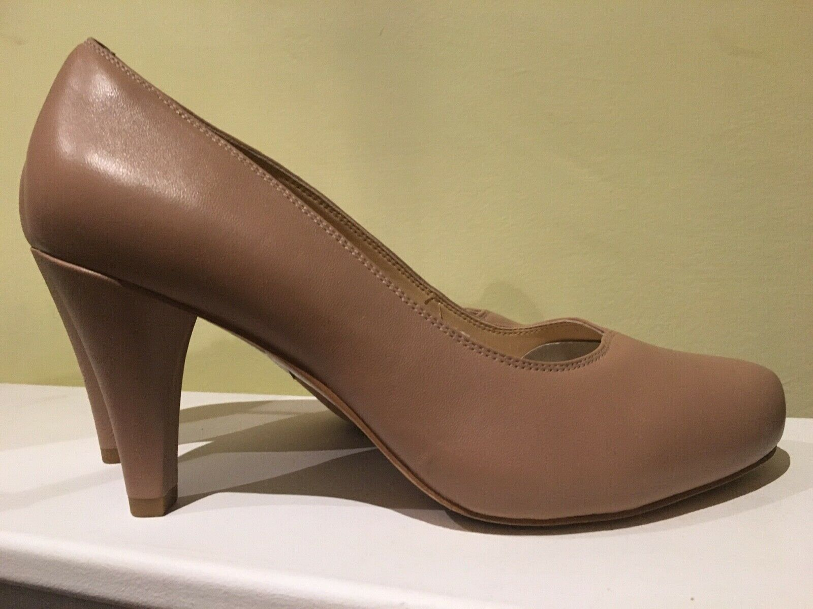 Brand-new Clarks real leather nude court shoes UK 8