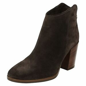 Femmes Stacked Clarks Casual Zip Toe Elegant Suede XnwOkN80P