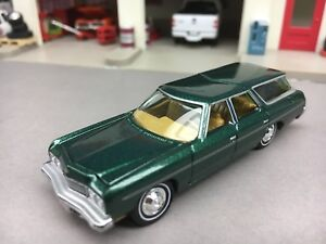 164 johnny lightning green 1973 chevy caprice w hitch ebay image is loading 1 64 johnny lightning green 1973 chevy caprice publicscrutiny Choice Image