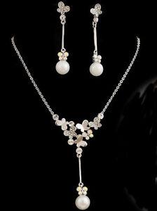 Butterfly Necklace Earrings Wedding Jewellery Set use Swarovski Crystals Pearls - Cambridge, United Kingdom - Butterfly Necklace Earrings Wedding Jewellery Set use Swarovski Crystals Pearls - Cambridge, United Kingdom