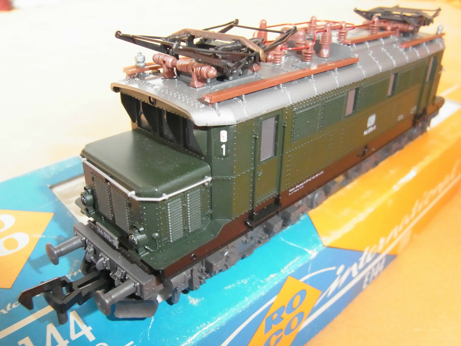 ROCO HO 4131, impianti elettriciLok e144, DB 144 0759  Come NuovoOVPElectric Locomotive