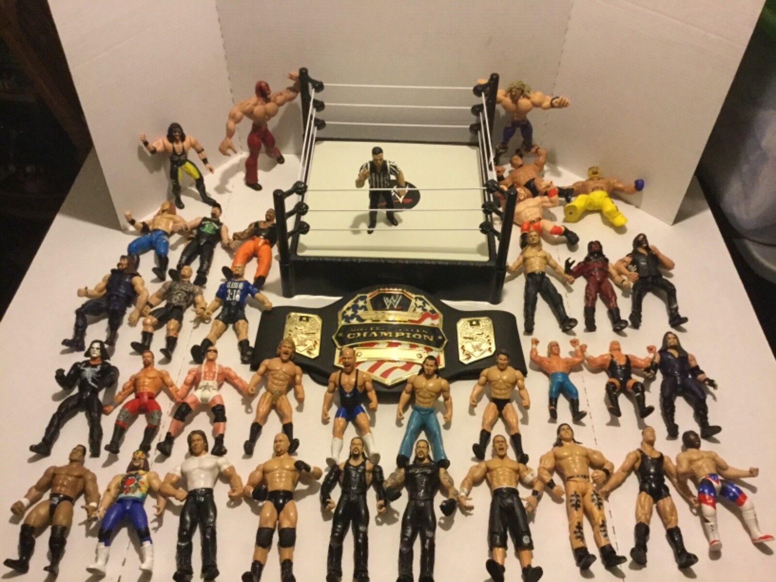 Huge Lot 30 Jakks WWE Wrestling azione cifras + + + BELT & RING  141eaa