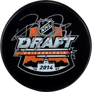 Dylan-Larkin-Detroit-Red-Wings-Autographed-2014-NHL-Draft-Logo-Hockey-Puck