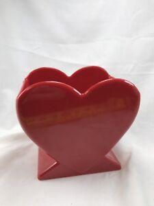 RED-PLASTIC-HEART-VALENTINE-VASE-1990-MOD-CANDY-OR-CARD-HOLDER