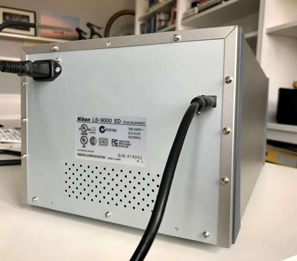 Film scanner, Nikon, Coolscan LS-9000 ED