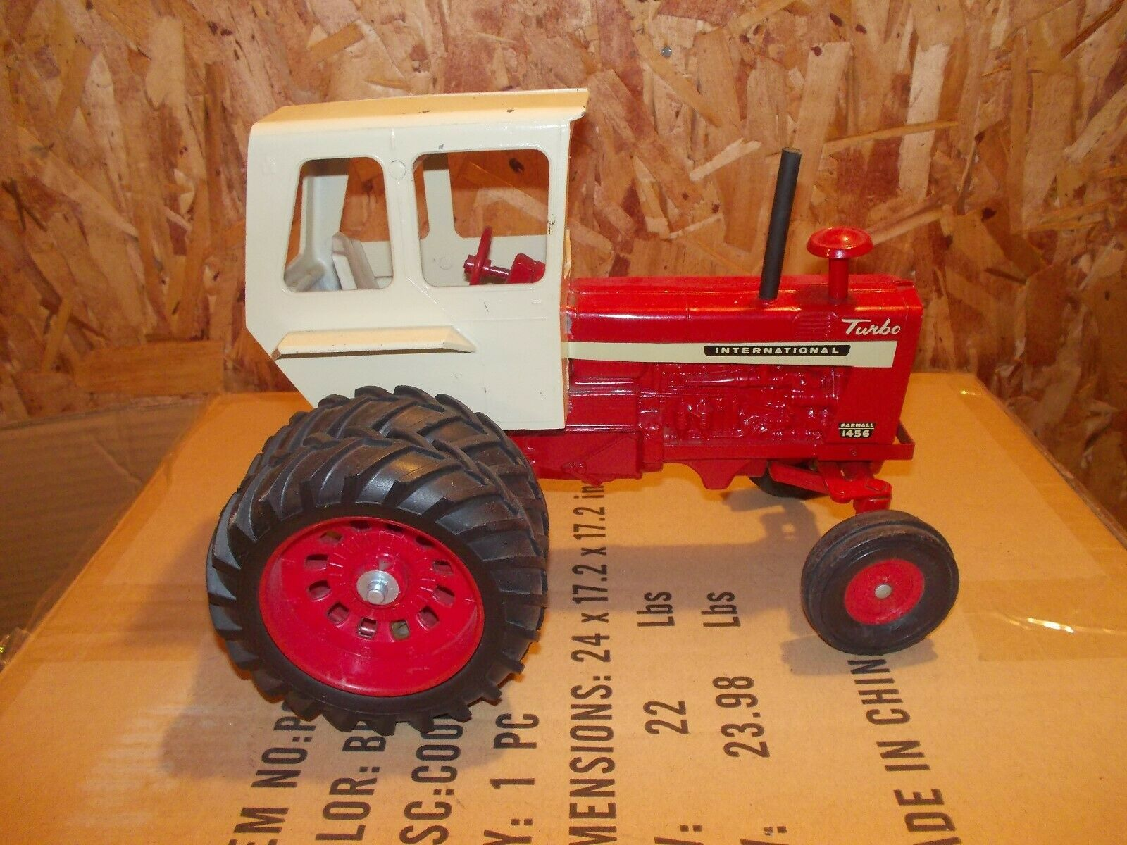 International 1456 Farmall widefront tractor VINTAGE Ertl Toy 1 16 HARD TO FIND