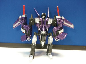 Transformers-CUSTOM-Skywarp-Universe-Deluxe-Class