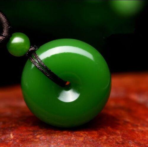 Vert naturel jade Donut Pendentif Lucky Boucle Jade Collier Charme Jewelry