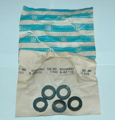 """GM 581112 GROMMET 5 PIECE 11//16/"""" ID 1 3//16/"""" OD NOS NEW VALVE COVER OR FIREWALL ?"""