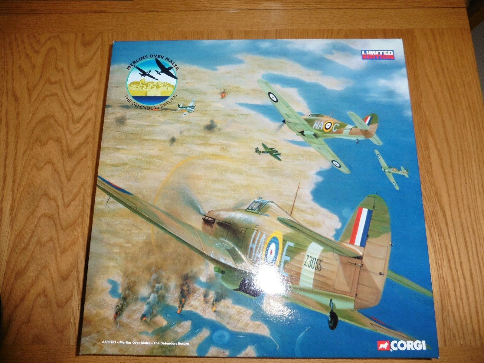 Rare Corgi AA99183 'Merlins Over Malta' - The Defenders Return 1 72 2 piece set