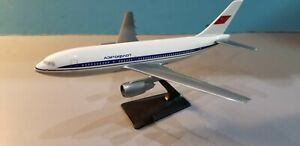 CMD-MODELS-AEROFLOT-AIRLINES-A310-1-200-SCALE-PLASTIC-SNAPFIT-MODEL