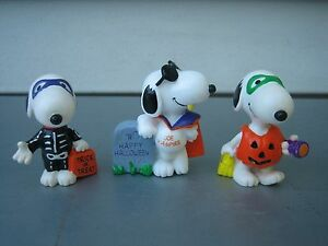 PEANUTS SNOOPY PVC HALLOWEEN SKELETON VAMPIRE PUMPKIN TRICK OR TREAT FIGURES