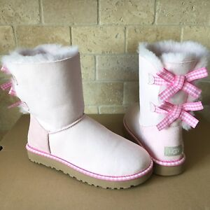 4f308395817 Details about UGG BAILEY BOW GINGHAM RIBBON PINK SUEDE CLASSIC SHORT BOOTS  SIZE 7 WOMENS