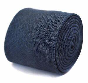 Frederick-Thomas-JEANS-BLEU-MOYEN-100-lin-texture-Cravate-ft1678