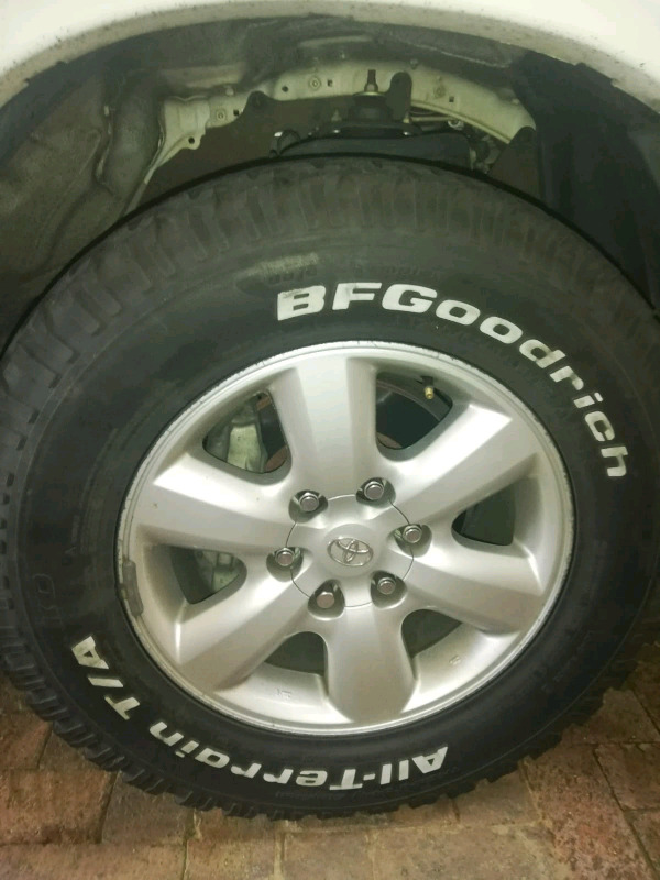 "17""TOYOTA FORTUNER /HILLUX. RIM AND TYRE FOR SPARE WHEEL"