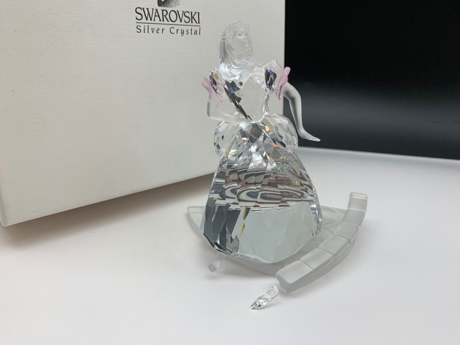 Swarovski Figur Cinderella 10,7 cm. Kiste und und und Zertifikat.  Top Zustand b38114