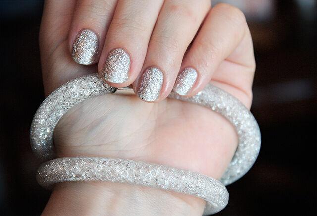 a11ab95843f5c Bracelet collier stardust pourssiere d étoile Swarovski® Elements résine  BLANC