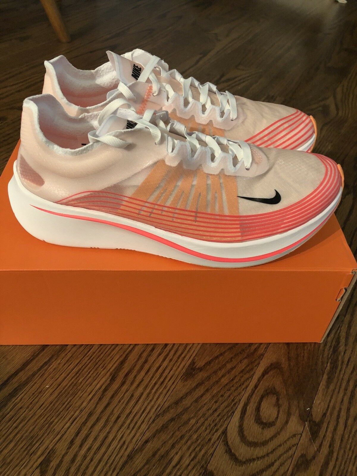 Nike Zoom Fly SP SZ 9.5 9.5 9.5 Red White - NEW W BOX ed83a5